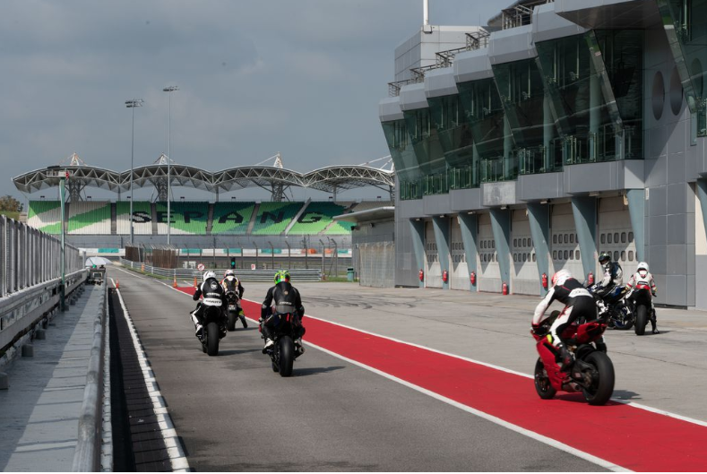 Yamaha Champions Riding School At Sepang